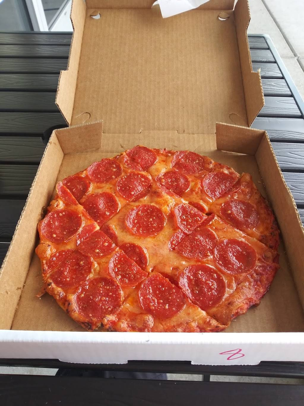 St. Louis Pizza & Wings Affton | restaurant | 8013 MacKenzie Rd, Affton, MO 63123, USA | 3146313800 OR +1 314-631-3800