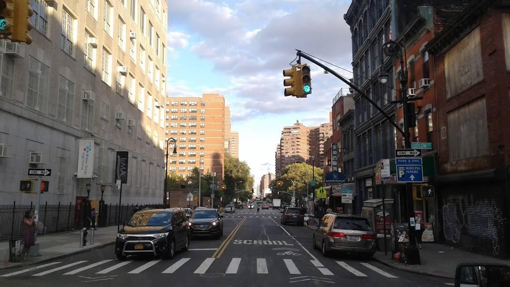 Subway | restaurant | 334 Grand St, New York, NY 10002, USA | 2127772372 OR +1 212-777-2372