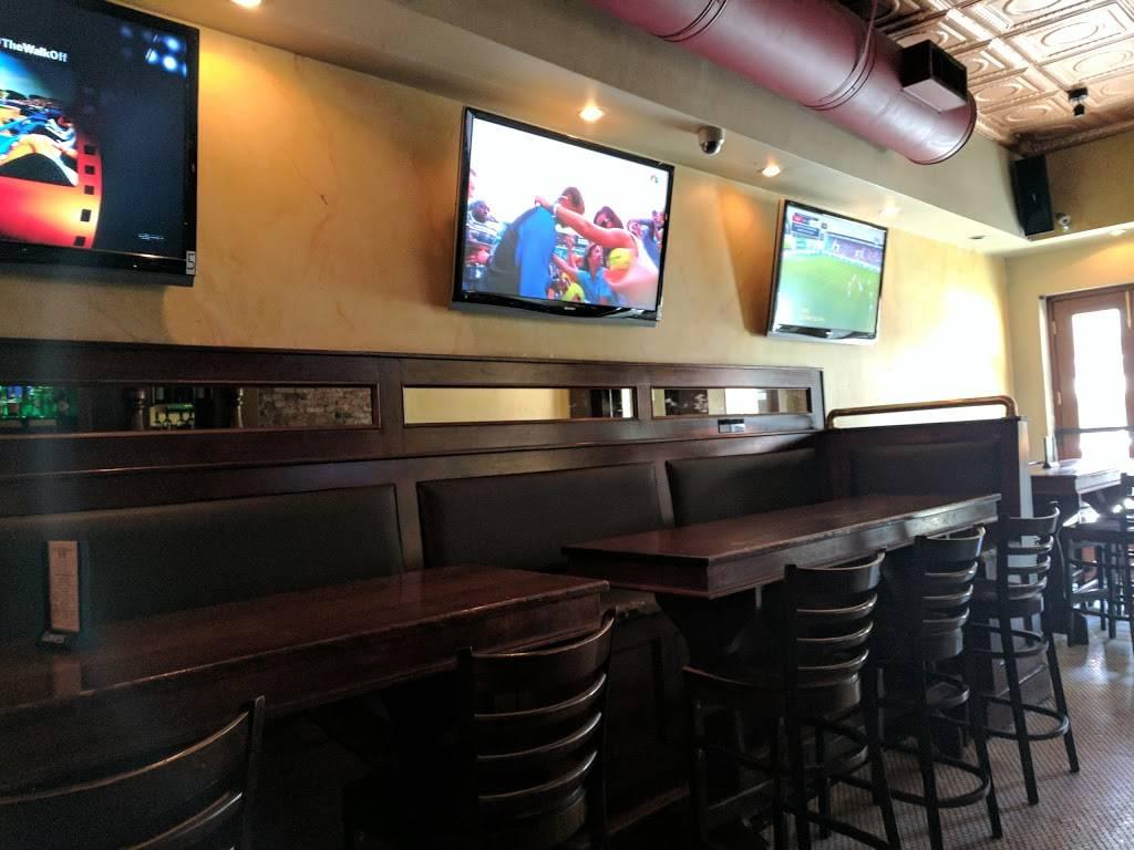 Jakes Saloon NYC   restaurant   202 9th Ave, New York, NY 10011, USA   2123665110 OR +1 212-366-5110