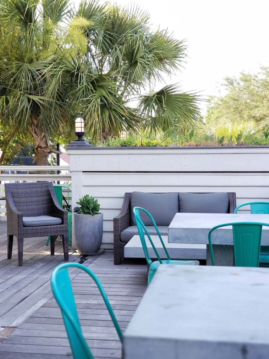 The Porch at IOn | restaurant | 252 Ponsbury Rd, Mt Pleasant, SC 29464, USA | 8439717834 OR +1 843-971-7834