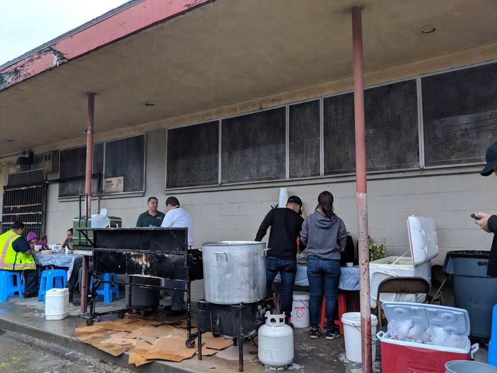 Gilberto's Taquiza | restaurant | 15980 Francisquito Ave, La Puente, CA 91744, USA | 6262362494 OR +1 626-236-2494