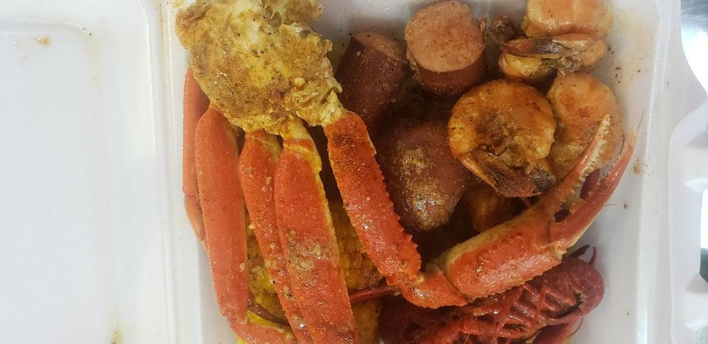 The Seafood Palace Restaurant and Catering | restaurant | 324 Prince St, Tappahannock, VA 22560, USA | 8044561080 OR +1 804-456-1080