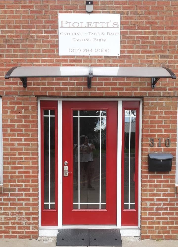 Piolettis Spaghetti   restaurant   310 N Sangamon Ave, Gibson City, IL 60936, USA   2177842000 OR +1 217-784-2000