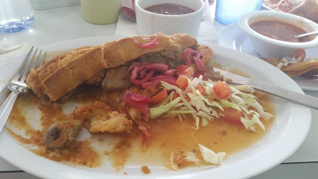 Guadalajaras Deli | restaurant | 6303 Irvington Blvd, Houston, TX 77022, USA | 3462265302 OR +1 346-226-5302