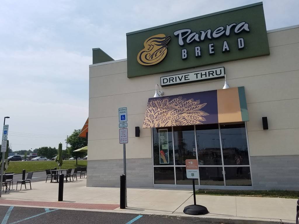 Panera Bread | cafe | 139 N West End Blvd, Quakertown, PA 18951, USA | 2155368506 OR +1 215-536-8506
