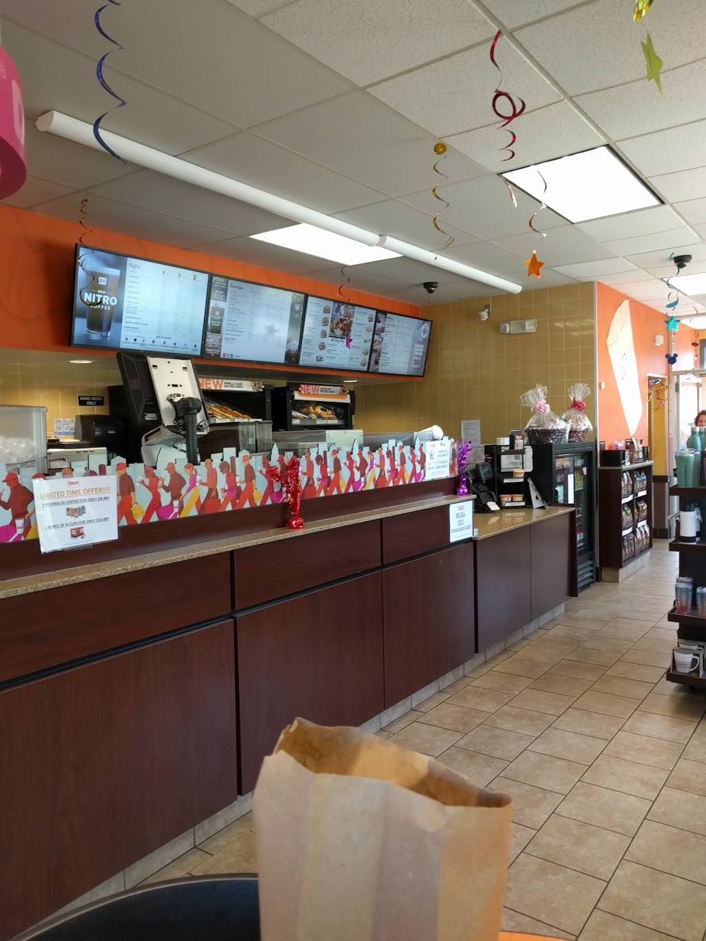 Dunkin | bakery | 548 Cedar St, Newington, CT 06111, USA | 8606679557 OR +1 860-667-9557