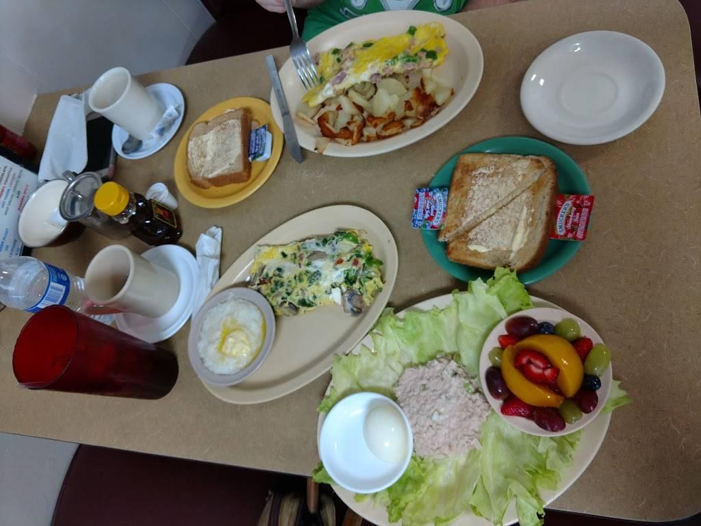 Lindas Place | restaurant | 1932 US-19, Holiday, FL 34690, USA | 7279406068 OR +1 727-940-6068