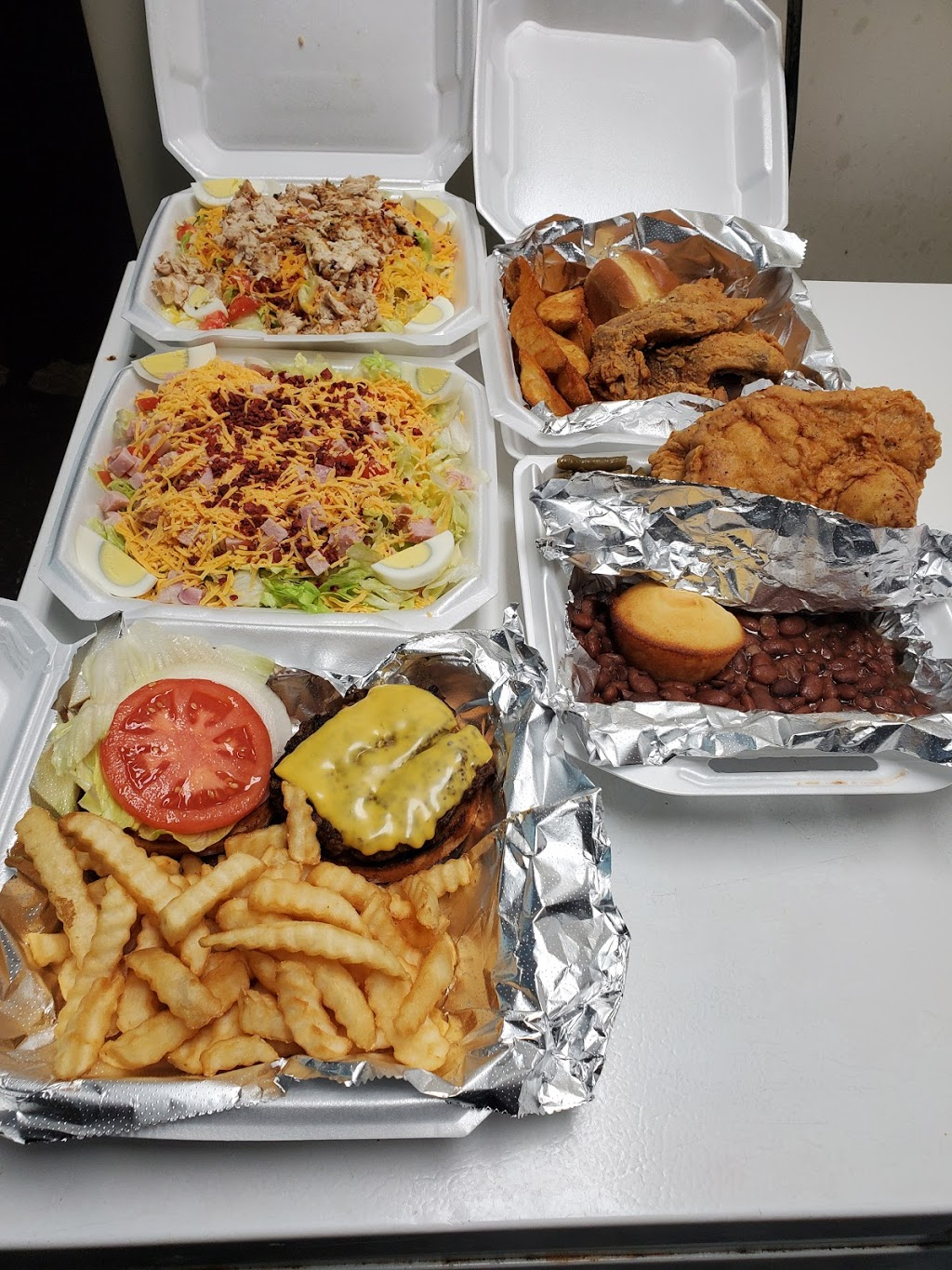 Paps Diner | restaurant | 448 Old Memphis Oxford Rd, Senatobia, MS 38668, USA | 6625627872 OR +1 662-562-7872