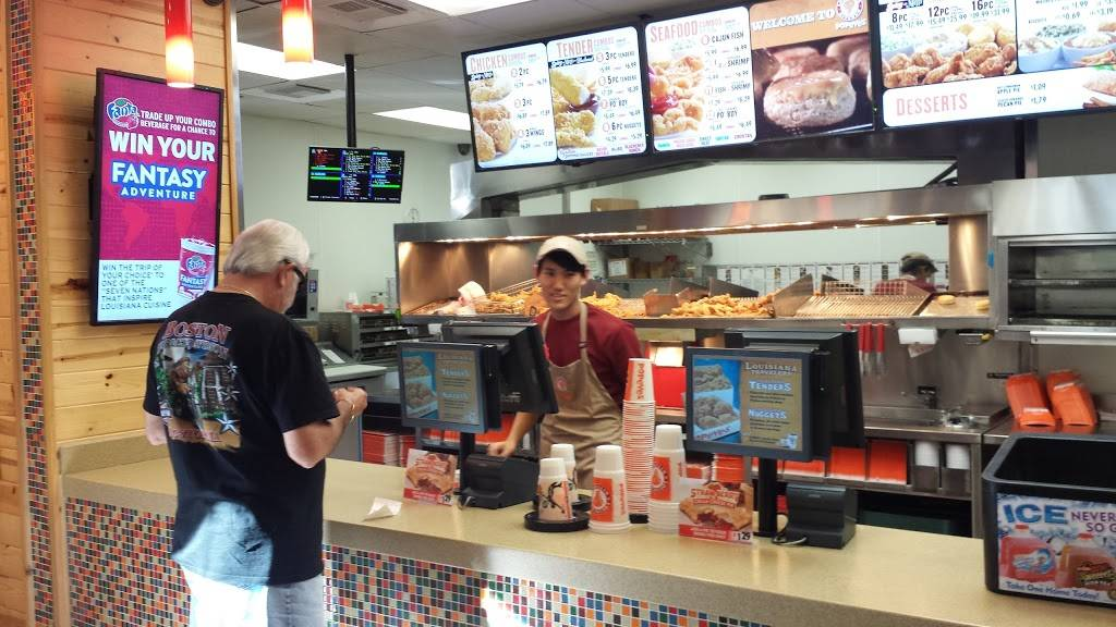 Popeyes Louisiana Kitchen | restaurant | 4510 Panther Creek Pne, The Woodlands, TX 77381, USA | 2812987400 OR +1 281-298-7400