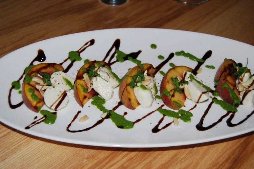 Moonraker   restaurant   105 Rockaway Beach Ave, Pacifica, CA 94044, USA   6505577025 OR +1 650-557-7025
