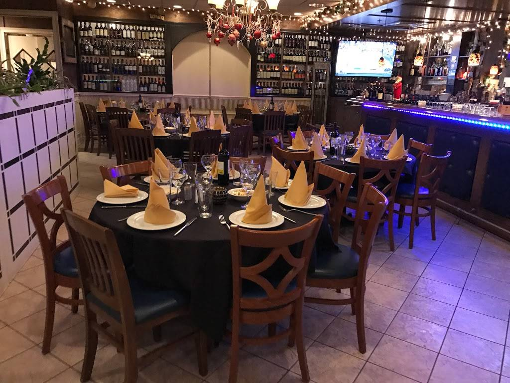 Nuova Italia Restaurant | restaurant | 32 E Lake St, Addison, IL 60101, USA | 6308322131 OR +1 630-832-2131