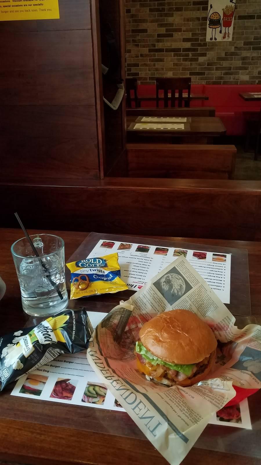 Burger Hut | restaurant | 476 NJ-63, Palisades Park, NJ 07650, USA | 2012923425 OR +1 201-292-3425