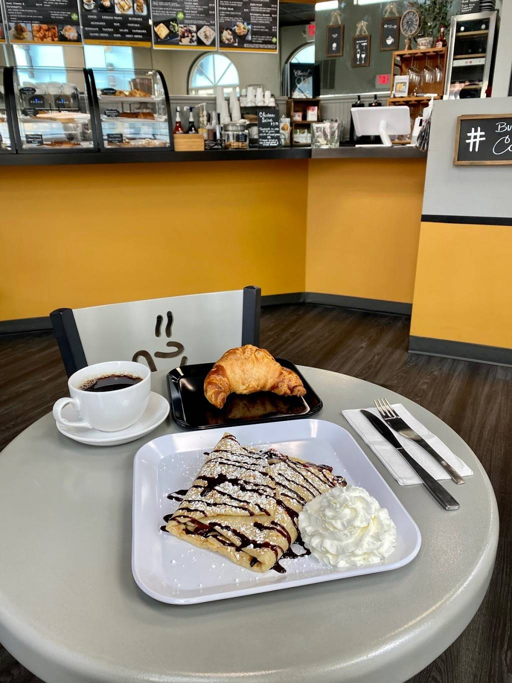 Le Petit French Cafe | bakery | 4350 Gulf Shore Blvd N #506, Naples, FL 34103, USA | 2392800438 OR +1 239-280-0438