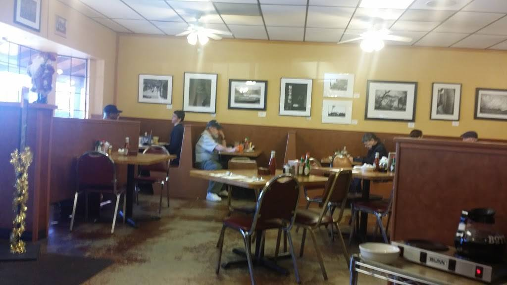 Country Kitchen Restaurant Bakery 1099 Hilltop Dr Redding Ca 96003 Usa