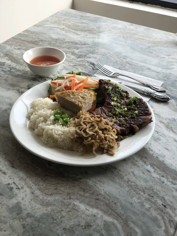 Pho Ever | restaurant | 355 New Park Ave, Hartford, CT 06106, USA | 8603104399 OR +1 860-310-4399