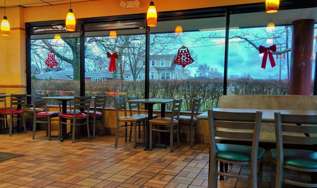 Subway Restaurants | restaurant | 357 Ogden Ave, Westmont, IL 60559, USA | 6309602225 OR +1 630-960-2225