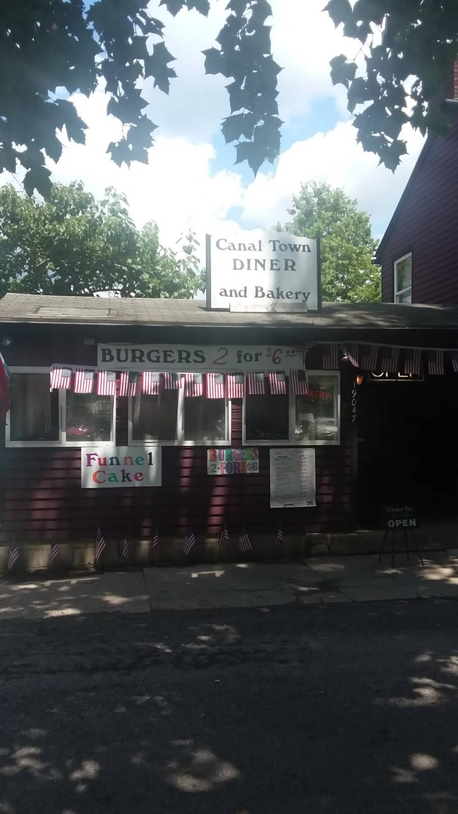 Canal Town Diner And Bakery | restaurant | 19047 Main Street, Metamora, IN 47030, USA