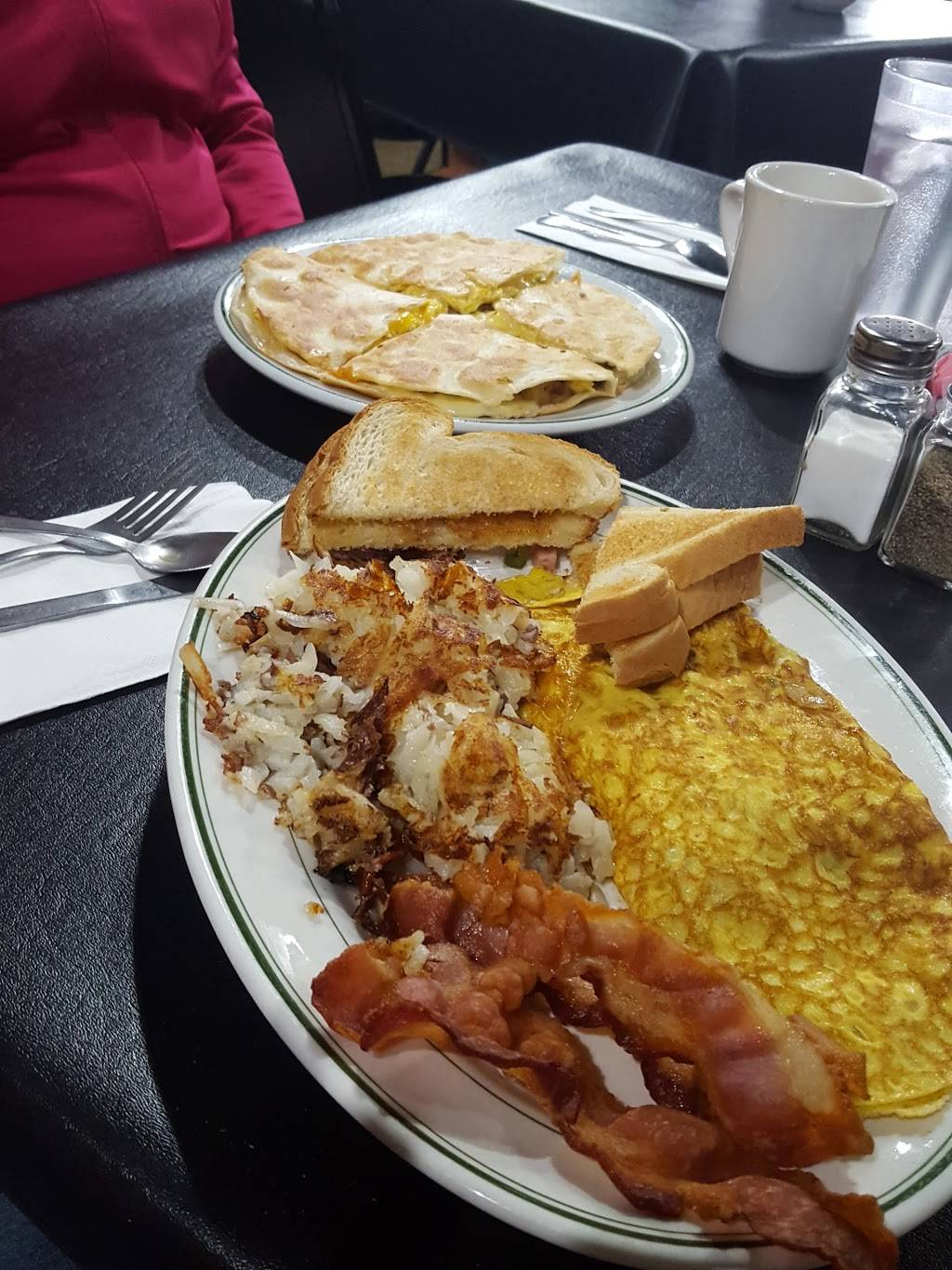 Shirleys Family Diner   restaurant   438 Main St, Forest City, PA 18421, USA   5707858800 OR +1 570-785-8800