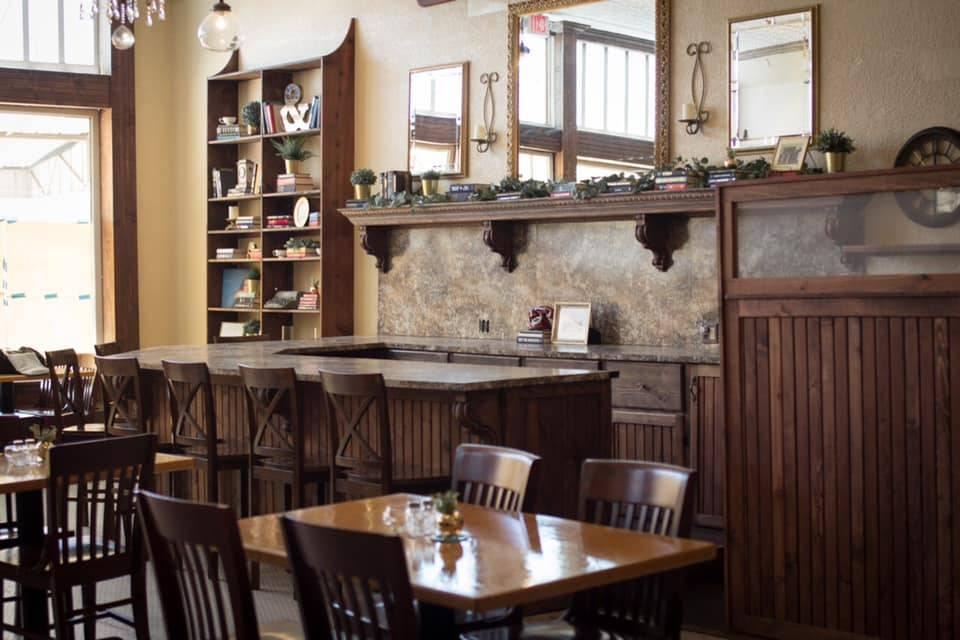 Logans Place | restaurant | 113 E Commerce St, Mineola, TX 75773, USA | 9036388320 OR +1 903-638-8320