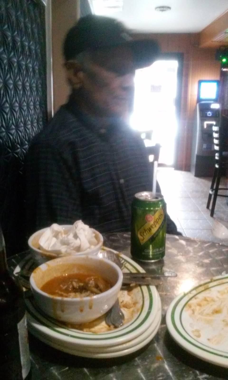 La Rola | restaurant | 400 E 198th St, Bronx, NY 10458, USA | 9176881448 OR +1 917-688-1448