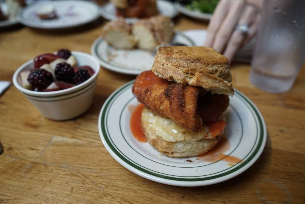 Pies n Thighs | restaurant | 166 S 4th St, Brooklyn, NY 11211, USA | 3475296090 OR +1 347-529-6090