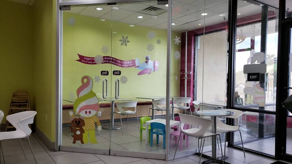 Menchies Frozen Yogurt | bakery | 2953 Swede Rd Ste 16, East Norriton, PA 19401, USA | 6102772722 OR +1 610-277-2722