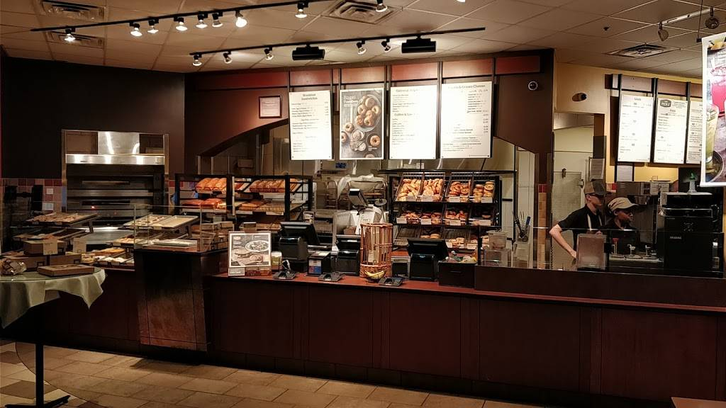 Panera Bread | cafe | 2001 N Milwaukee Ave, Riverwoods, IL 60015, USA | 8472298062 OR +1 847-229-8062