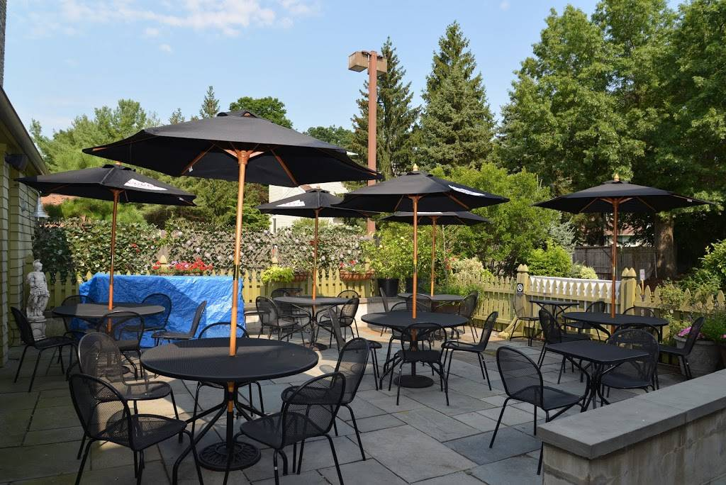 Positanos Restaurant | restaurant | 27 Powers Ct, Westport, CT 06880, USA | 2034544922 OR +1 203-454-4922