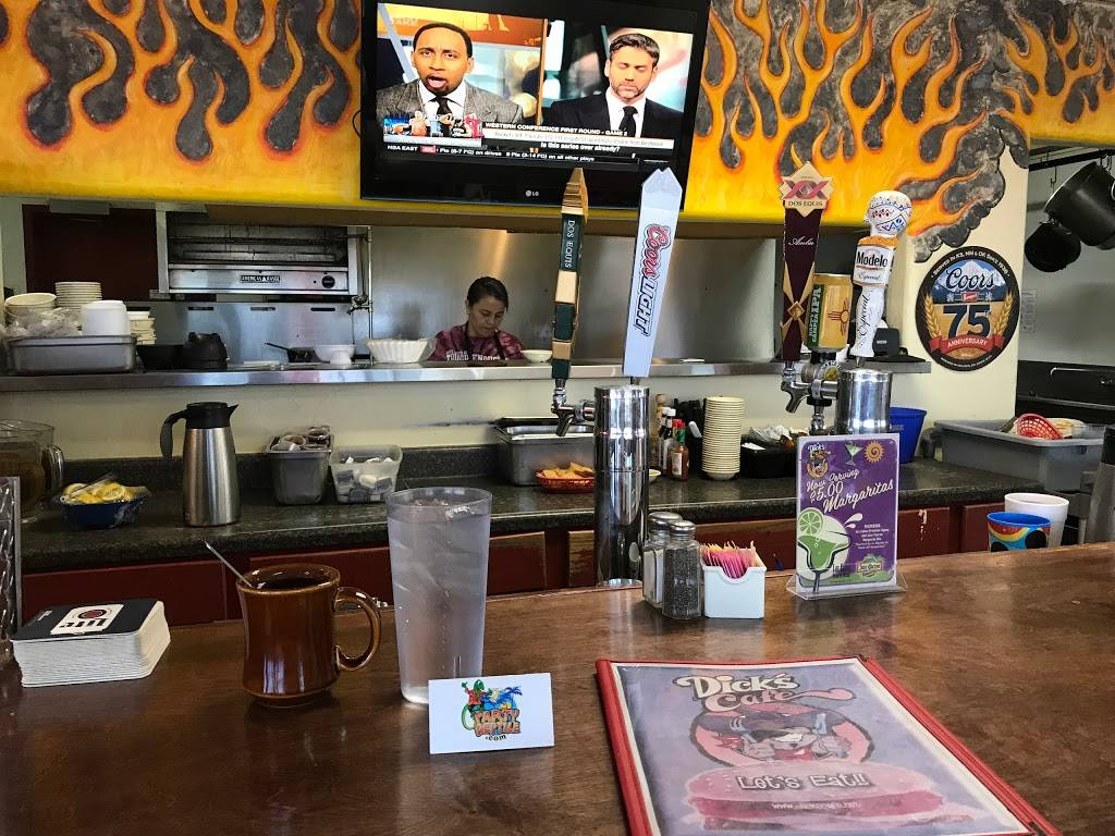 Dicks Cafe   restaurant   2305 S Valley Dr, Las Cruces, NM 88005, USA   5755241360 OR +1 575-524-1360