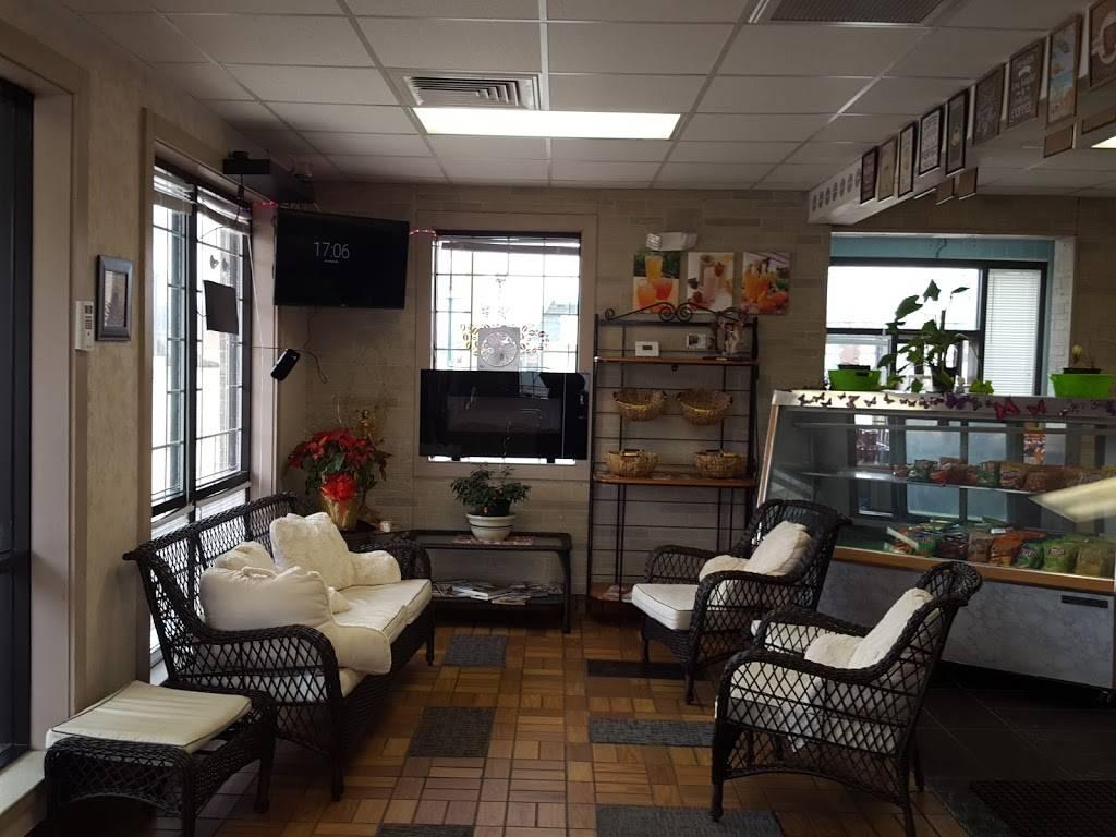 Ligias Cafe And Juice Bar   restaurant   5851 Calumet Ave, Hammond, IN 46320, USA   2199896601 OR +1 219-989-6601