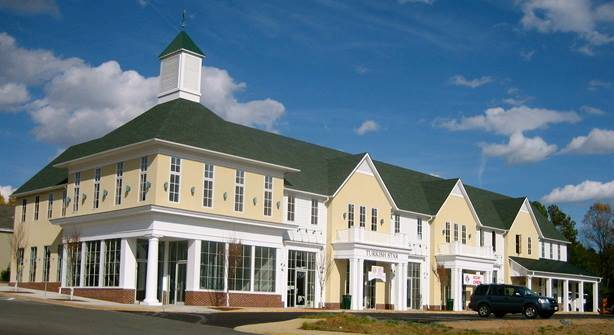 Shoppes of Clover Lawn | shopping mall | 325 Four Leaf Ln, Charlottesville, VA 22903, USA | 4345317485 OR +1 434-531-7485