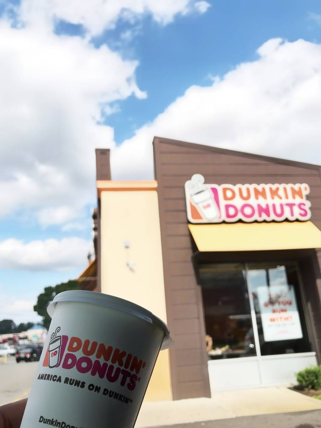 Dunkin Donuts | cafe | 131-147 Rte 17 N, Lukoil, Rutherford, NJ 07070, USA | 2019390702 OR +1 201-939-0702