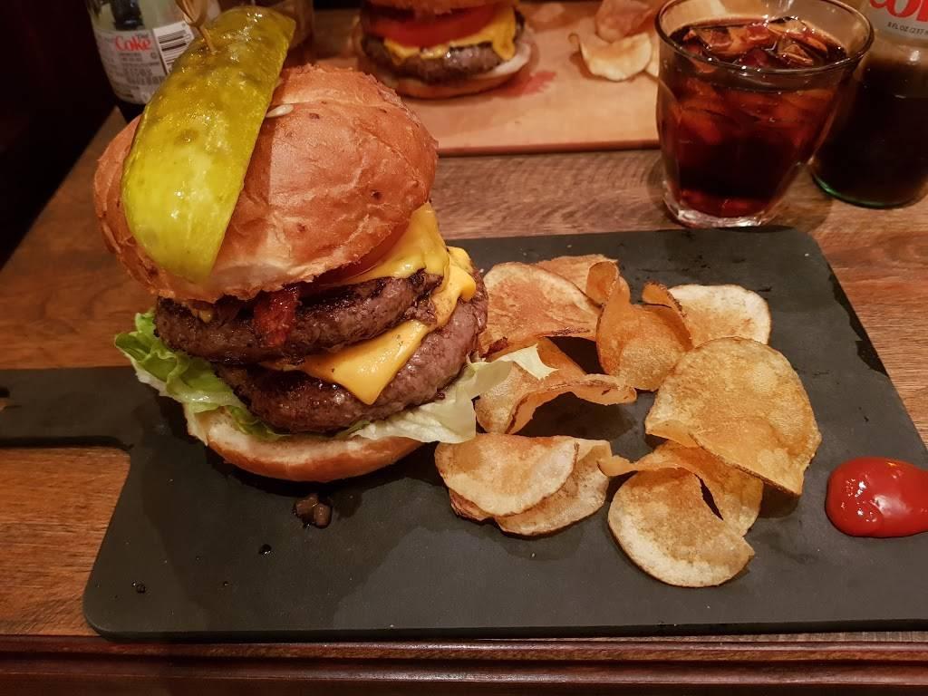 Bobos Burger Bar | restaurant | 1434 Lombard St, San Francisco, CA 94123, USA | 4156837040 OR +1 415-683-7040