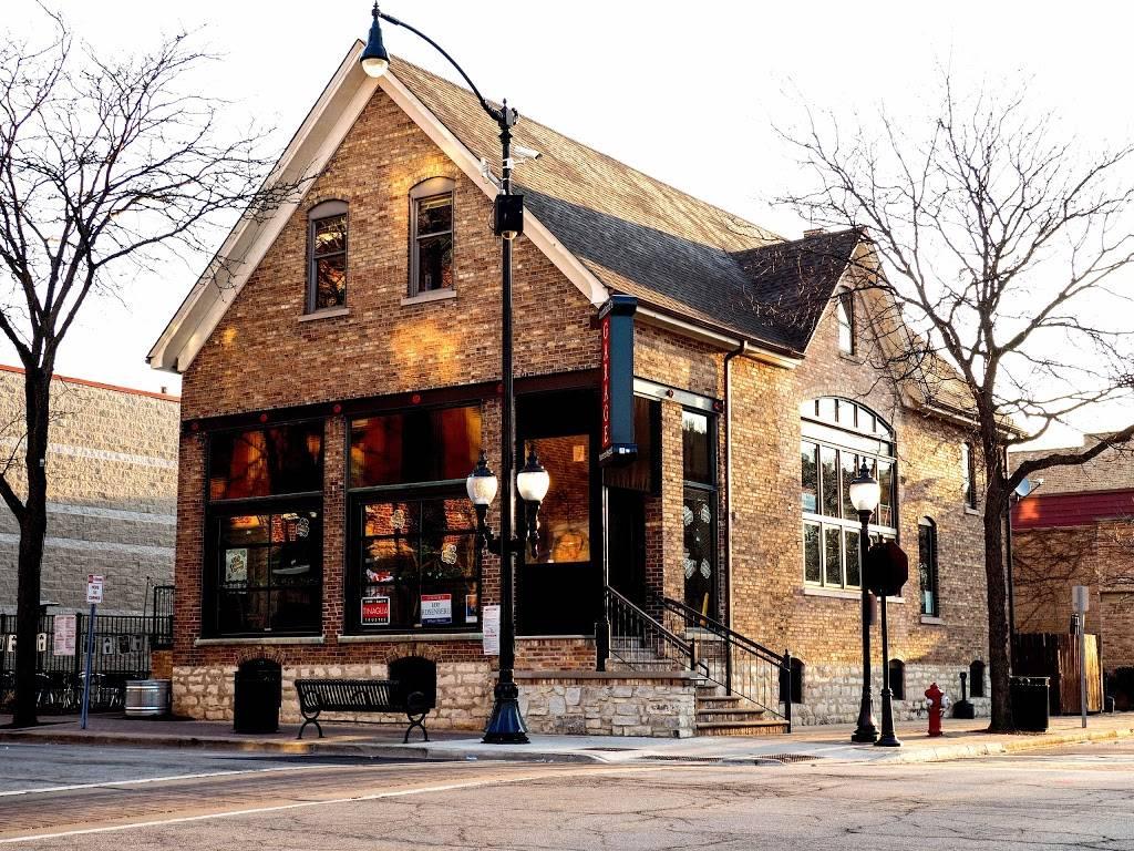 Cortlands Garage Arlington Heights | restaurant | 1 N Vail Ave, Arlington Heights, IL 60005, USA | 8475772525 OR +1 847-577-2525