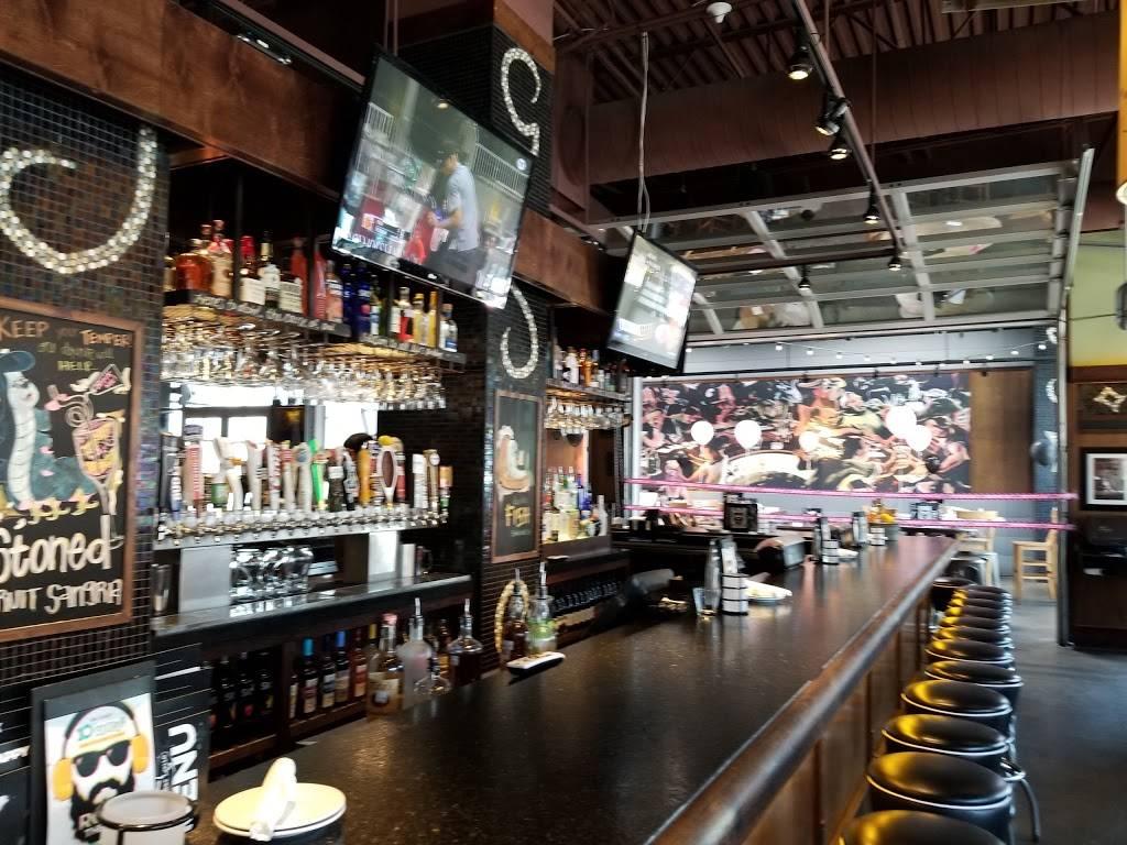 Bar Louie - Firewheel Town Center | night club | 340 Coneflower Dr, Garland, TX 75040, USA | 2147786970 OR +1 214-778-6970