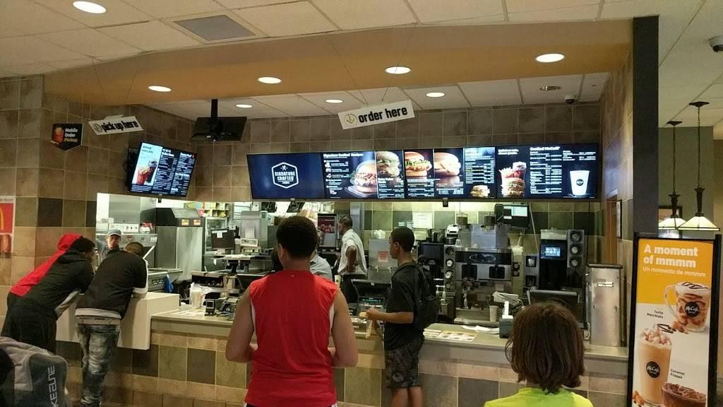 McDonalds   cafe   41/43 W Palisade Ave, Englewood, NJ 07631, USA   2018940048 OR +1 201-894-0048