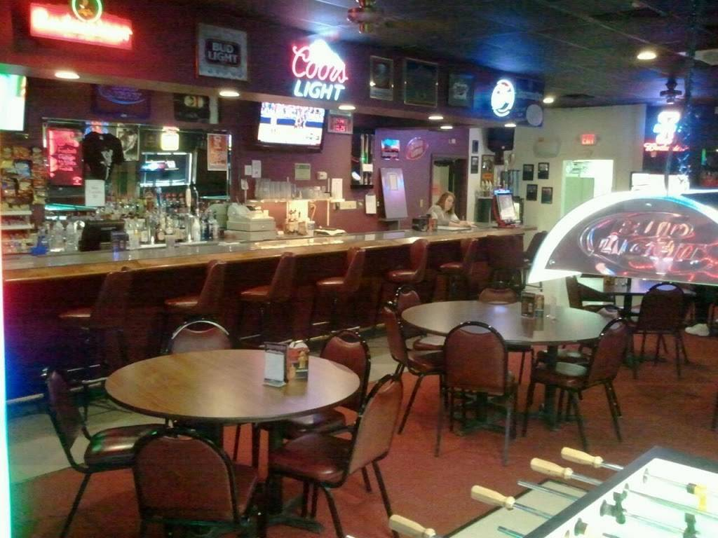 Brians Place | restaurant | 3818, 2100 Broadway Ave, Mattoon, IL 61938, USA | 2172344151 OR +1 217-234-4151