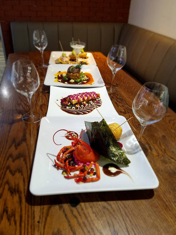 Alberts Mofongo   restaurant   4762 Broadway, New York, NY 10034, USA   2125693441 OR +1 212-569-3441