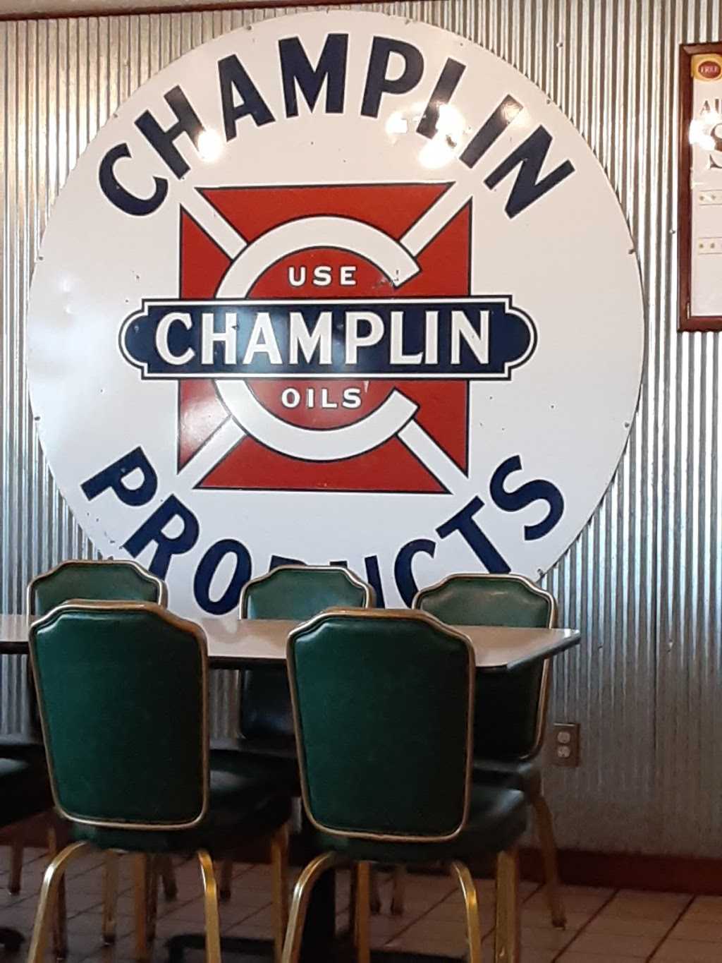 Marlins Family Restaurant   restaurant   3850 N Cliff Ave, Sioux Falls, SD 57104, USA   6053327259 OR +1 605-332-7259