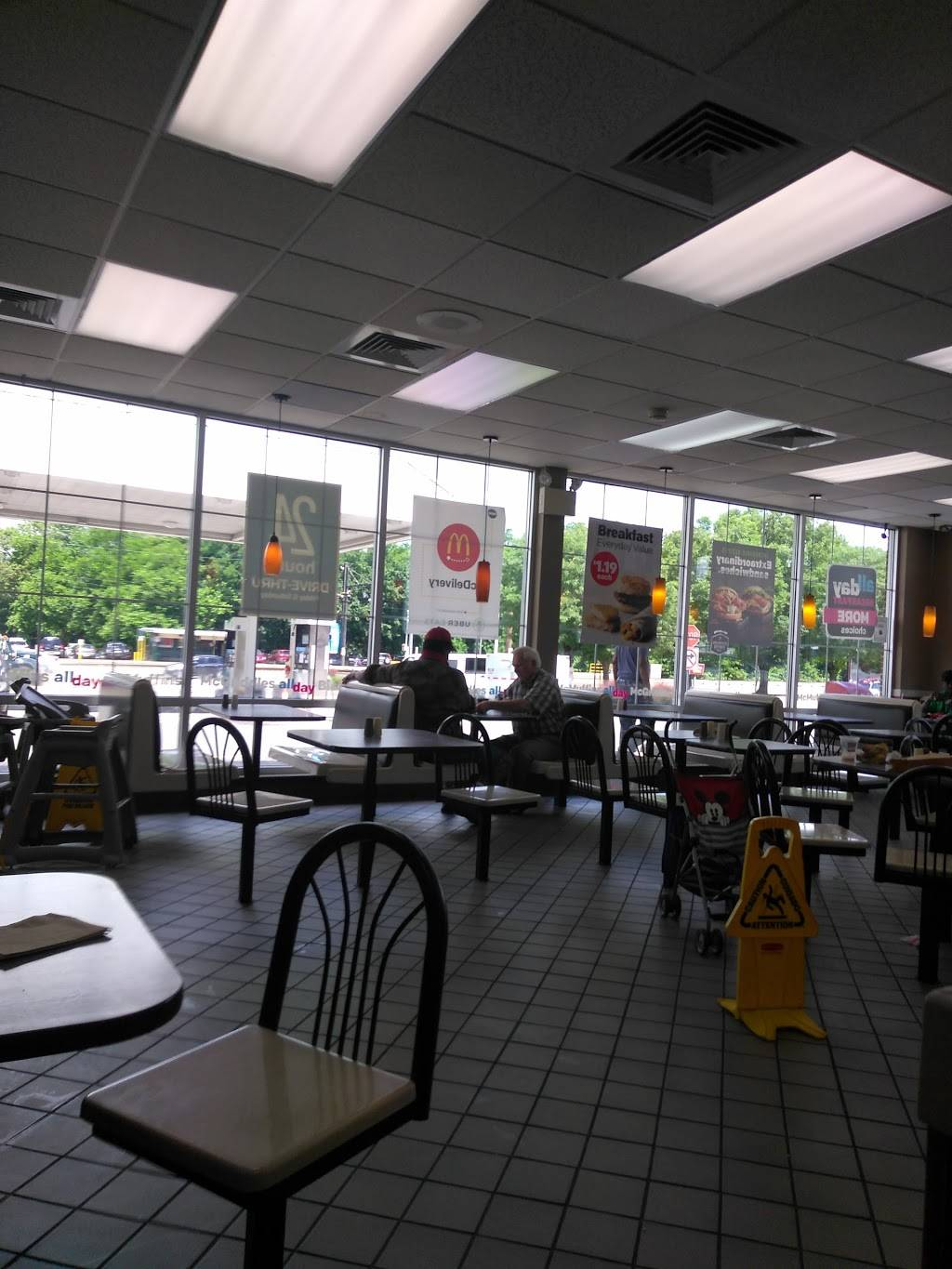 McDonalds | cafe | 223 W Main St, Norristown, PA 19401, USA | 6102723809 OR +1 610-272-3809