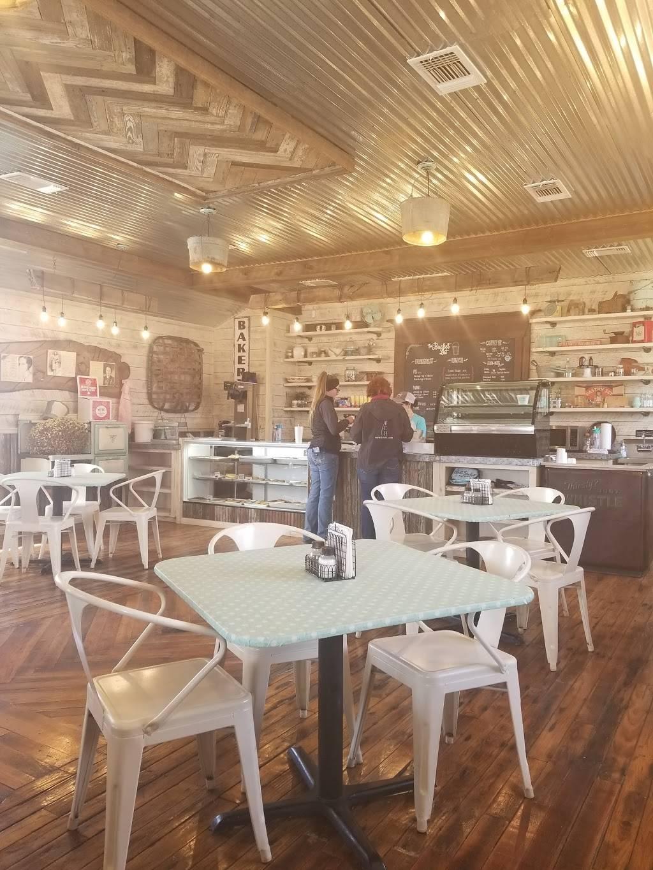 Bent Bucket Bakery   restaurant   19280 US-281, Lipan, TX 76462, USA   2546464010 OR +1 254-646-4010