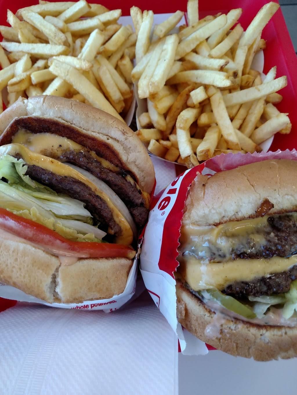 In-N-Out Burger | restaurant | 31465 Avenue E, Yucaipa, CA 92399, USA | 8007861000 OR +1 800-786-1000