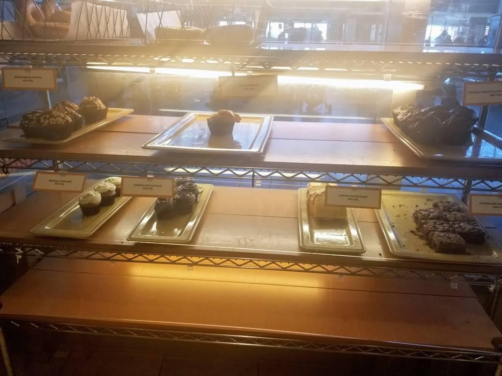 Au Bon Pain | restaurant | One Bay St, Staten Island, NY 10301, USA | 7184200846 OR +1 718-420-0846