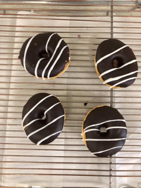 YoYo Donuts | bakery | 1919 28th Ave S, Homewood, AL 35209, USA | 2058684704 OR +1 205-868-4704