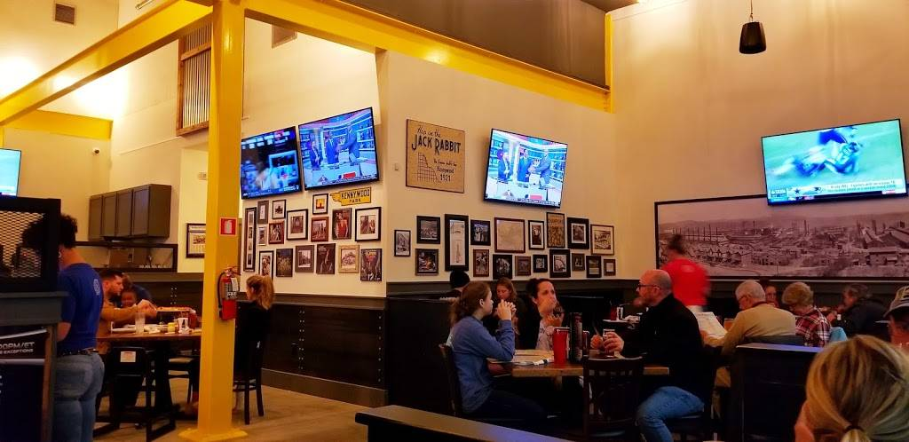 Steel City Pizza Co. Carnes Crossroads | restaurant | 2511 N Main St suite d, Summerville, SC 29486, USA | 8438676100 OR +1 843-867-6100