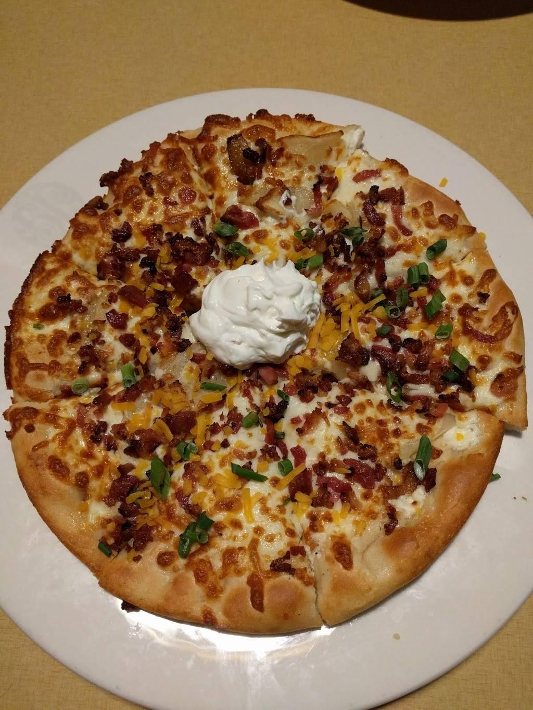 Boston Pizza | restaurant | 1602 The Queensway, Etobicoke, ON M8Z 1V1, Canada | 4162019555 OR +1 416-201-9555