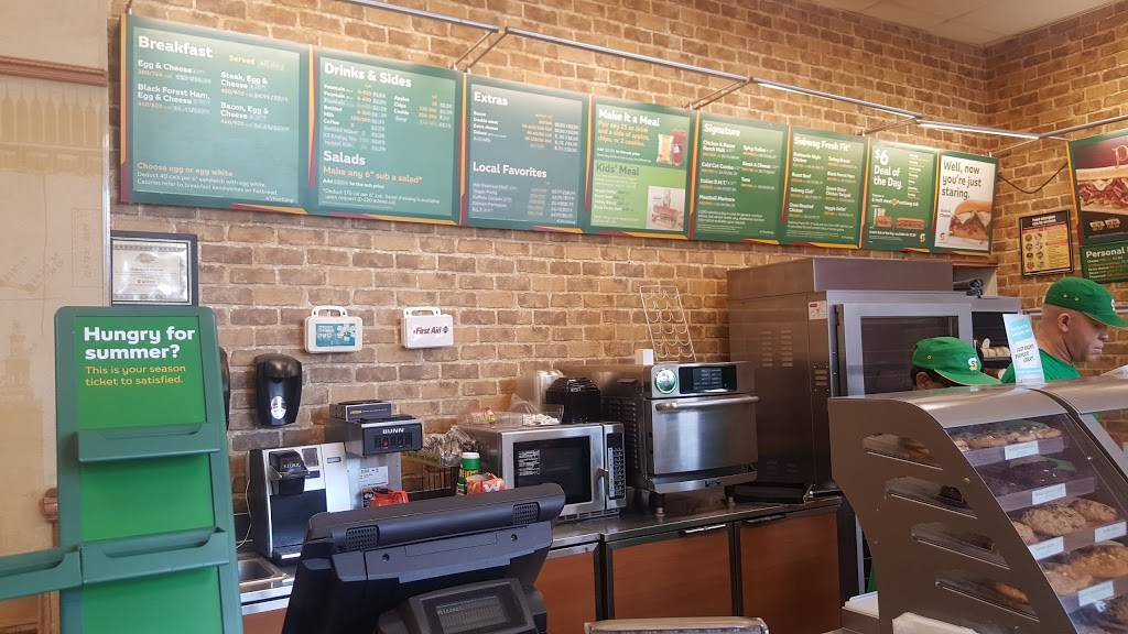 Subway Restaurants | restaurant | 111 Central Park North, Space F, New York, NY 10026, USA | 2122222520 OR +1 212-222-2520