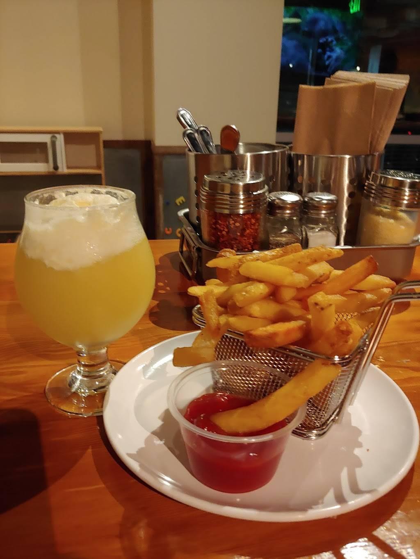 Berkeley Burgers | restaurant | 1313 Ninth Street Suite 130, Berkeley, CA 94710, USA | 5103564382 OR +1 510-356-4382