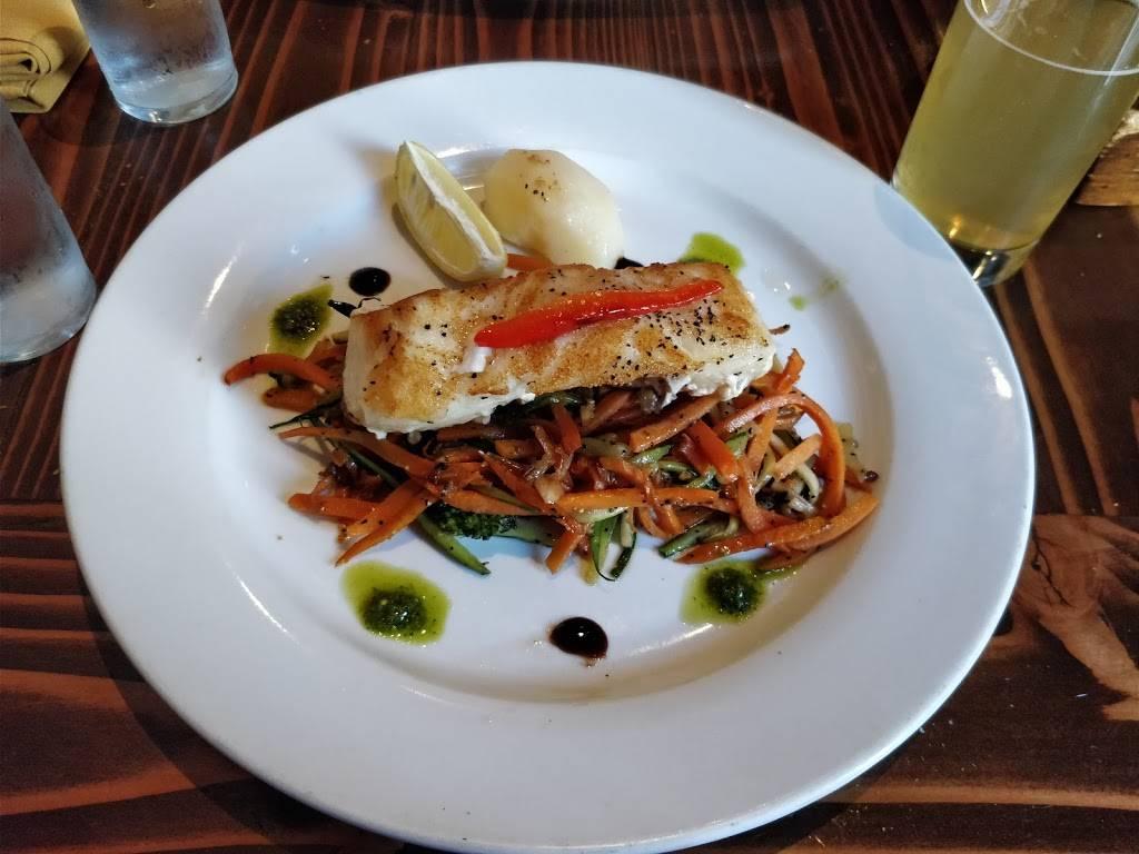 Manolo Tapas | restaurant | 4165 Broadway, New York, NY 10033, USA | 2129239100 OR +1 212-923-9100