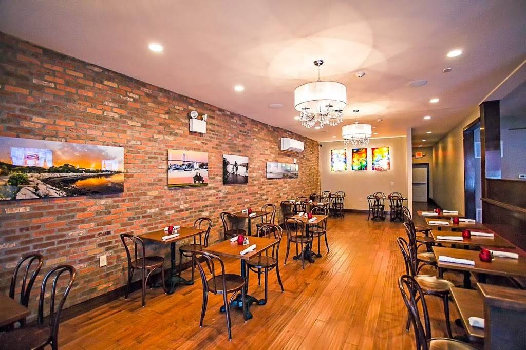 The Tavern on Broadway | restaurant | 16 Broadway, Newport, RI 02840, USA | 4016195675 OR +1 401-619-5675